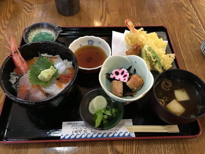 おけしょう鮮魚の海中苑の「海鮮丼御膳」